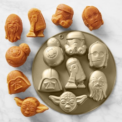 Take The Cake with a Star Wars Cakelet Pan