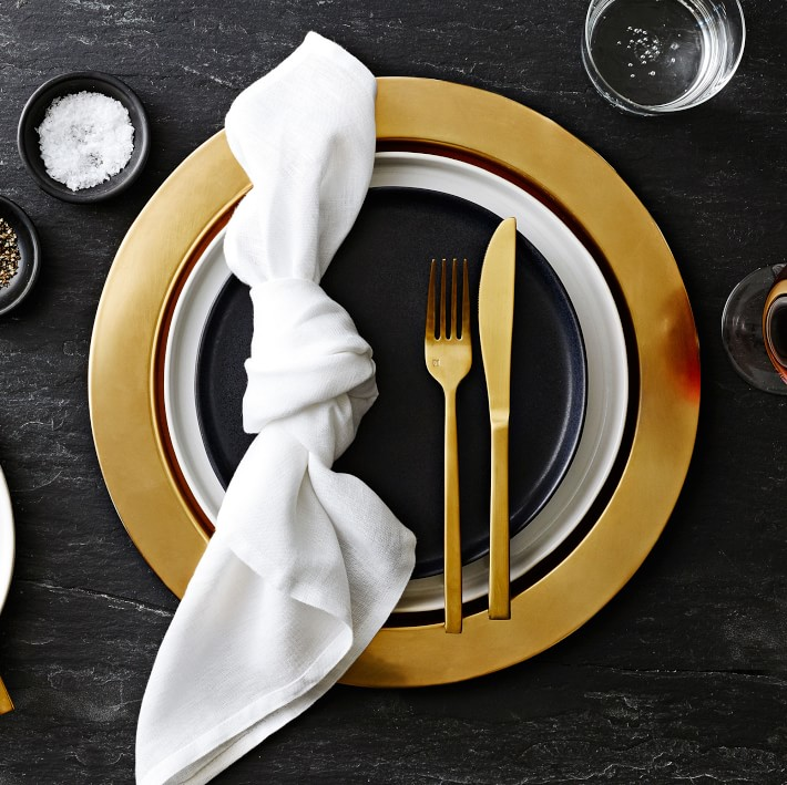 This Morgan collection is chic, black, and hard working with a matte finish perfect for your modern rustic table. #blackplates #placesettings #blackdishes #modernrustic #tabledecor #tabletop #dishes